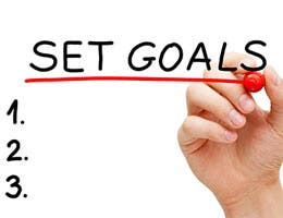 Set your saving goals © Ivelin Radkov/Shutterstock.com