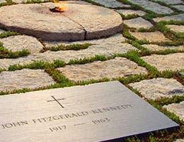 Myth 5: The Fed had President John F. Kennedy killed © Charlie Hutton/Shutterstock.com