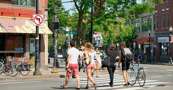 Top 10 college towns for retirees © iStock