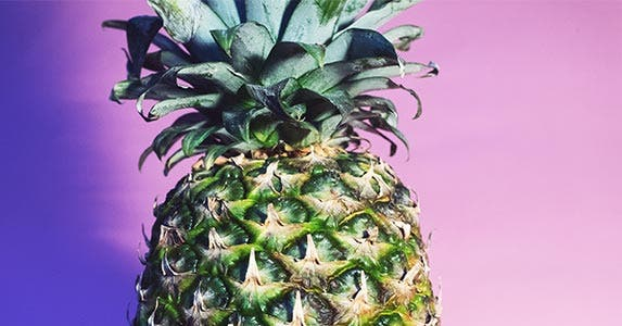 Theatrical lighting | Pineapples/Unsplash