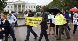 Protestors outside White House | Scott J. Ferrell/Getty Images