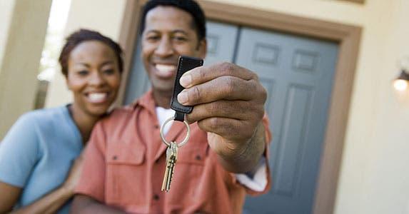 Car or a house purchase © bikeriderlondon/Shutterstock.com