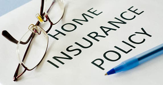 Insurance quote © emilie zhang/Shutterstock.com