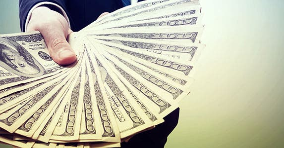 Cashing out is popular, not smart © Melpomene/Shutterstock.com