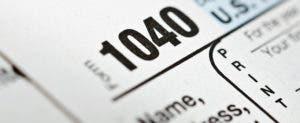 Form 1040 © Garry L./Shutterstock.com