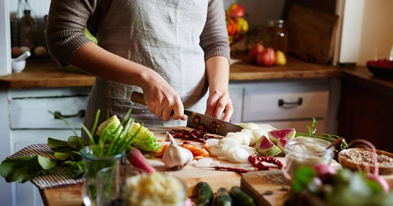 Form a cooking co-op © iStock