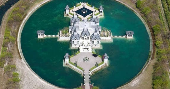 Lake Castle | Realtor.com