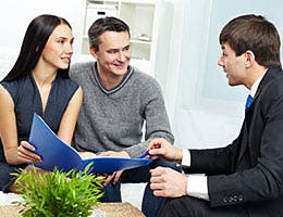 Using an agent? Choose carefully, then listen © Pressmaster/Shutterstock.com