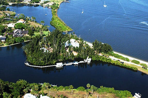 8 dreamworthy islands for sale   Photo courtesy of Sandy Olson