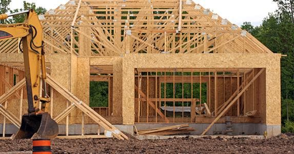 Construction of new home © chloe7992/Shutterstock.com