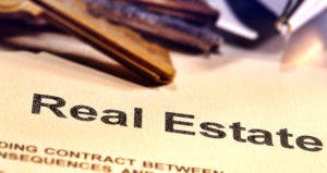 Real estate document © Olivier Le Queinec/Shutterstock.com