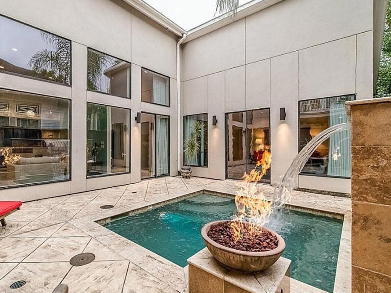 Contemporary Texan | Realtor.com