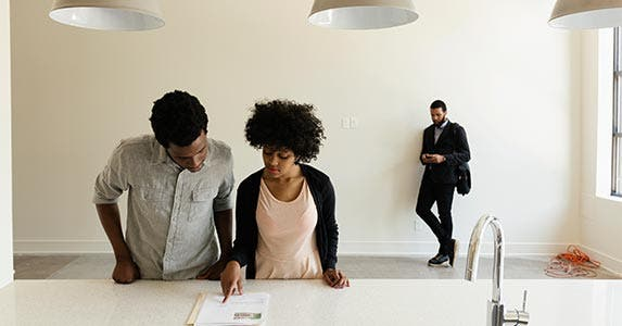 Using entire savings on the down payment | Roberto Westbrook/Getty Images