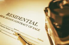 Residential real estate contract of sale © iStock