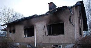Burned-out house | iStock.com/rkankaro