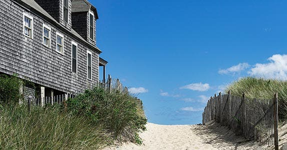 9 Tips To Buy the Beach House of Your Dreams | Bankrate.com