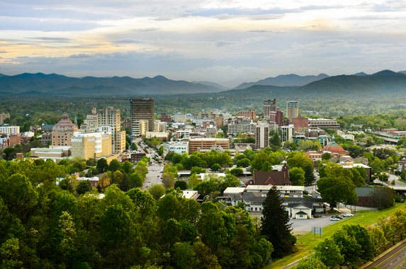 University of North Carolina at Asheville Bulldogs © Derek Olson Photography/Shutterstock.com