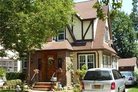 Great Donald Trumpu0027s Childhood Home In Jamaica, New York | Realtor.com