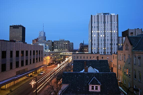 Akron, Ohio © Henryk Sadura/Shutterstock.com