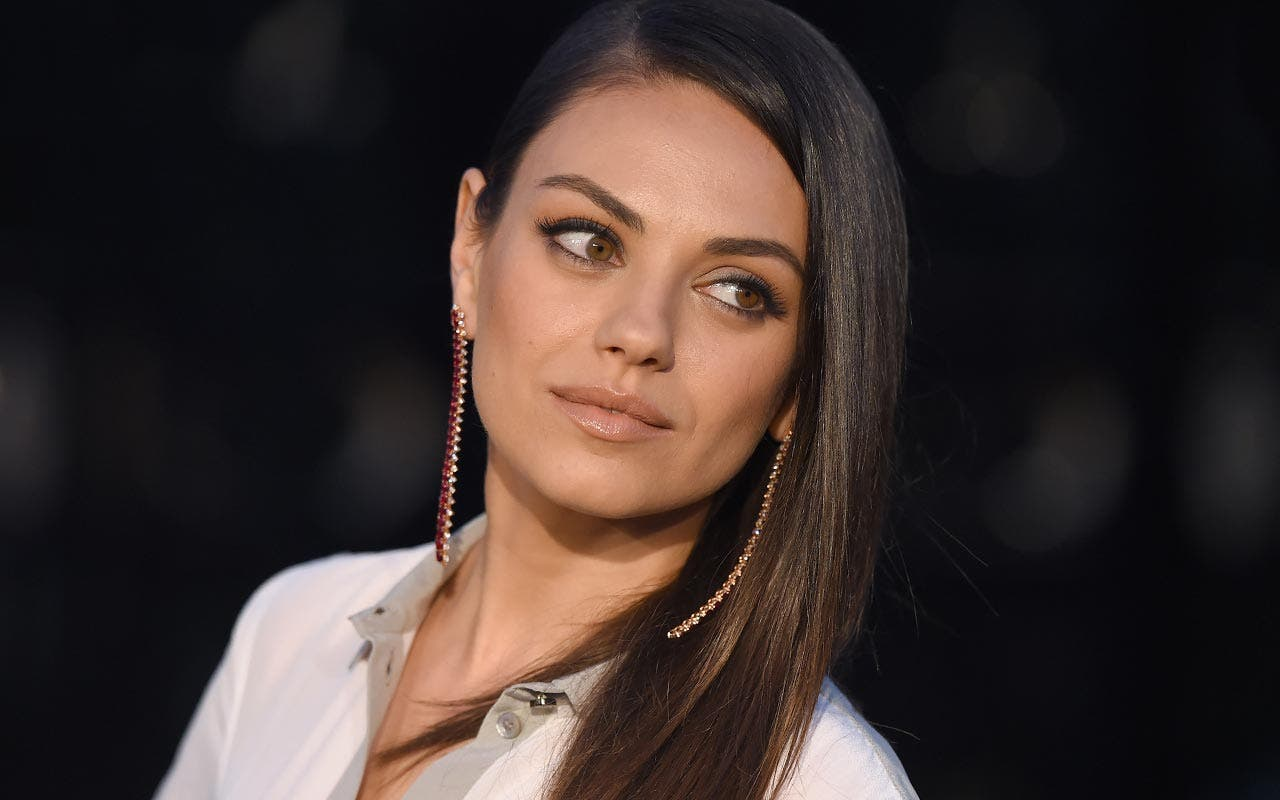 mila-kunis-walks-the-red-carpet-mst.jpg