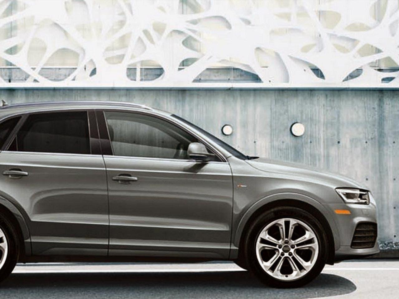 Silver Audi Q7