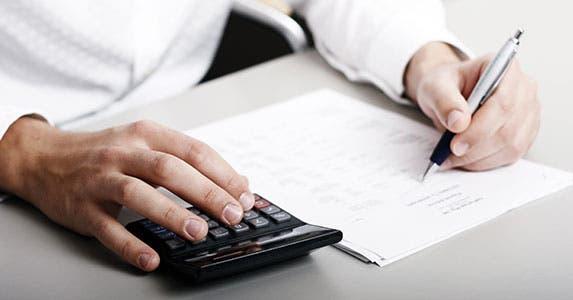 Blended life insurance cuts premiums © Christopher Meder/Shutterstock.com