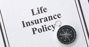 Life insurance policy © Feng Yu/Shutterstock.com
