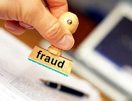 Being blind to fraudulent behavior © Gunnar Pippel/Shutterstock.com