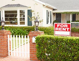 Renters insurance: The price is right © Monkey Business Images/Shutterstock.com