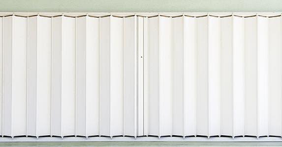 Accordion shutters © Ken Schulze/Shutterstock.com