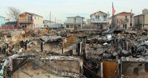Burned houses, Hurricane Sandy aftermath © Leonard Zhukovsky/Shutterstock.com