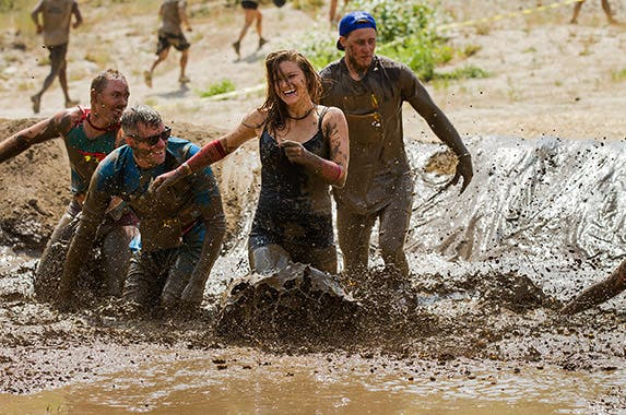 Mud run © txking/Shutterstock.com