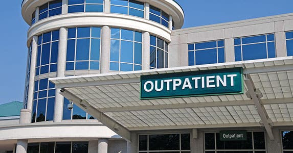 Hospital-based outpatient clinics © Mark Winfrey/Shutterstock.com