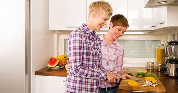 Renters insurance: Cohabitants welcome © Jari Hindstroem/Shutterstock.com