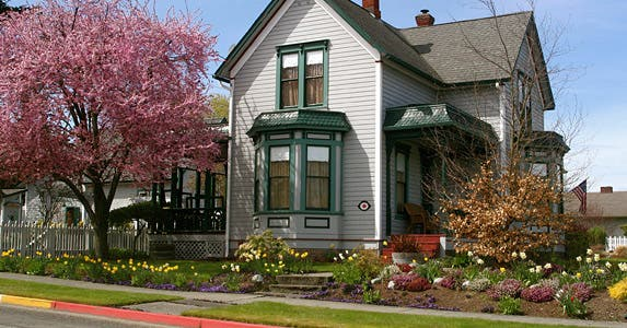 Myth: Older homes are cheaper to insure © iStock