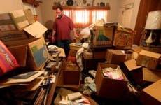 Male hoarder at home © Sandy Huffaker/Corbis
