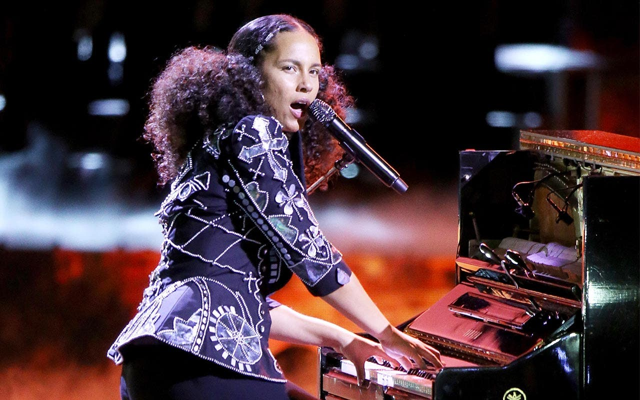 Loan For Bad Credit >> Alicia Keys Net Worth | Bankrate.com