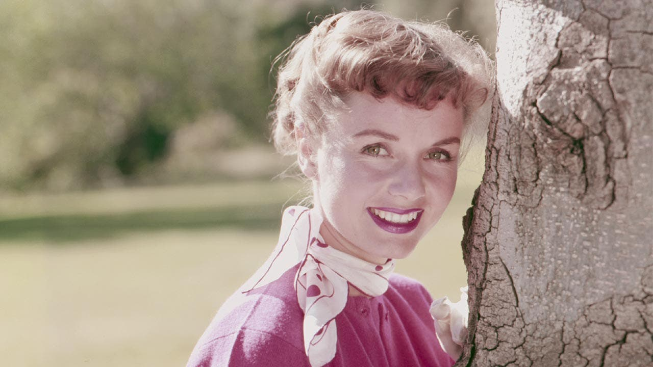 Watch Debbie Reynolds video