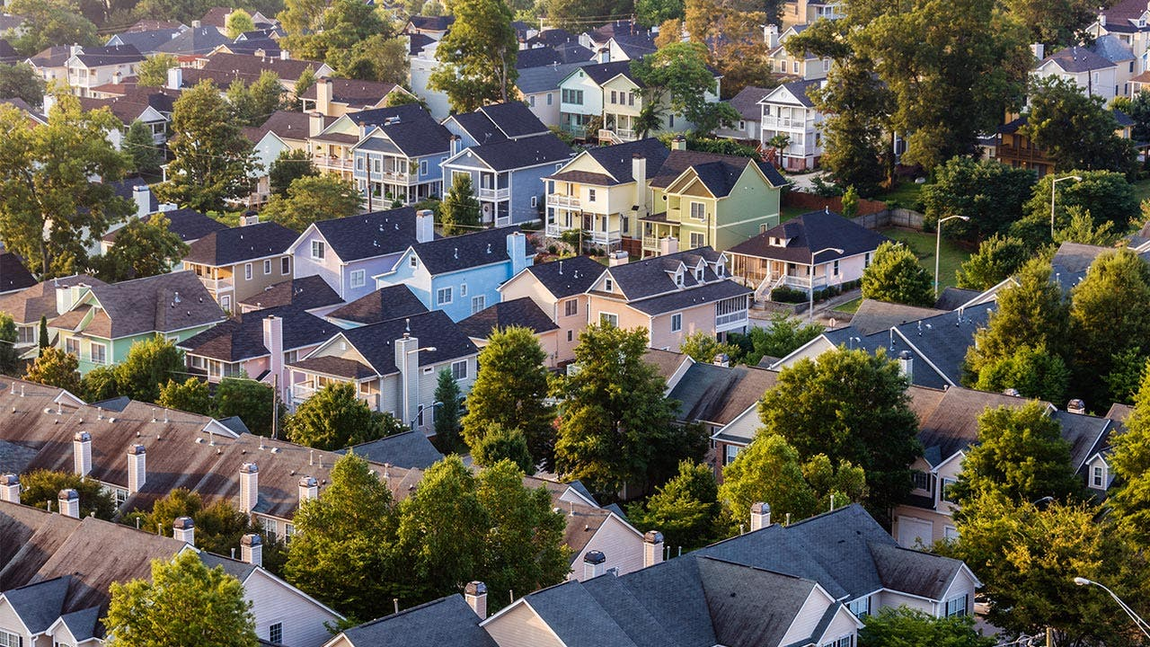 Birds-eye view of houses in a neighborhood