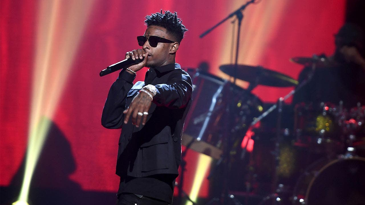 21 Savage performs BET awards