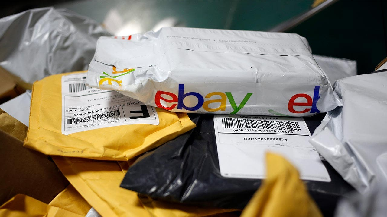 60feabd90 How Much Does It Cost To Sell On EBay? | Bankrate.com