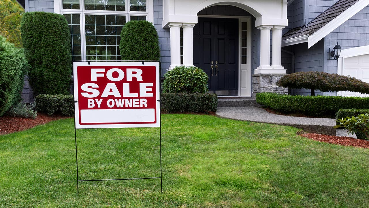 'For Sale by Owner' yard sign