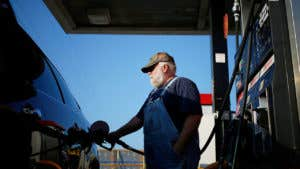 Bluesnarfing is newest card fraud at gas pumps and ATMs