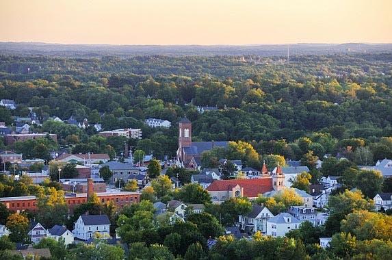 New Hampshire © Mike Cherim/iStock.com
