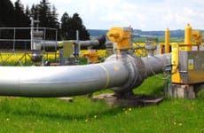Natural gas pipeline © czdast/Shutterstock.com