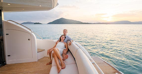 Save for retirement © kudla/Shutterstock.com