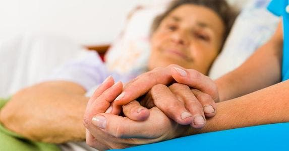 Holding hands in the hospital © Lighthunter/Shutterstock.com