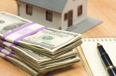 House with money and notebook © Andy Dean - Fotolia.com