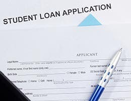 What kinds of student loans are available?