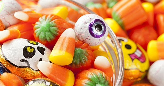 Prices sink in the candy aisle © Brent Hofacker/Shutterstock.com